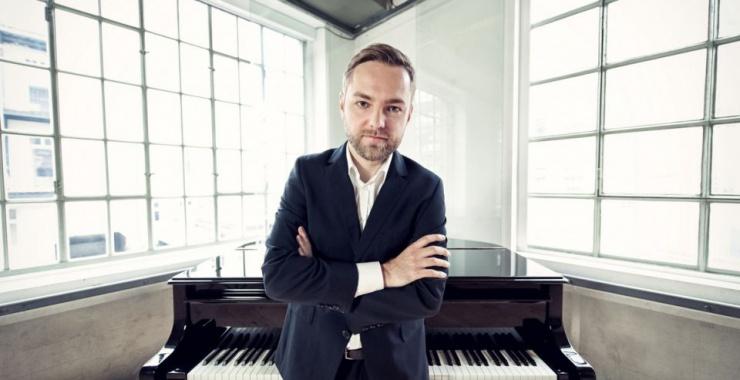 Rolą pianisty nie jest kokietowanie publiczności