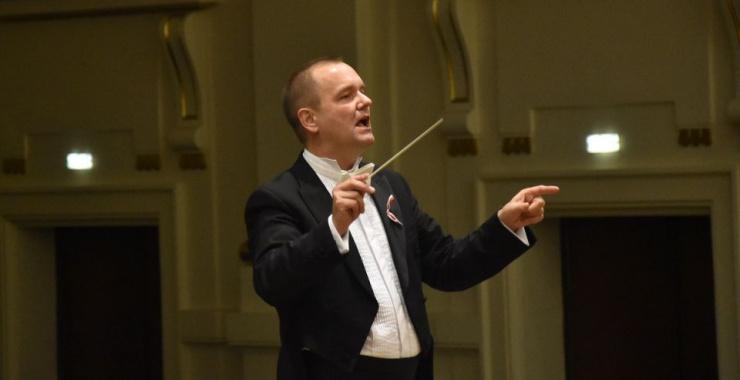"""Tomasz Chmiel: """"Z radością pracuję z Filharmonikami Podkarpackimi"""""""